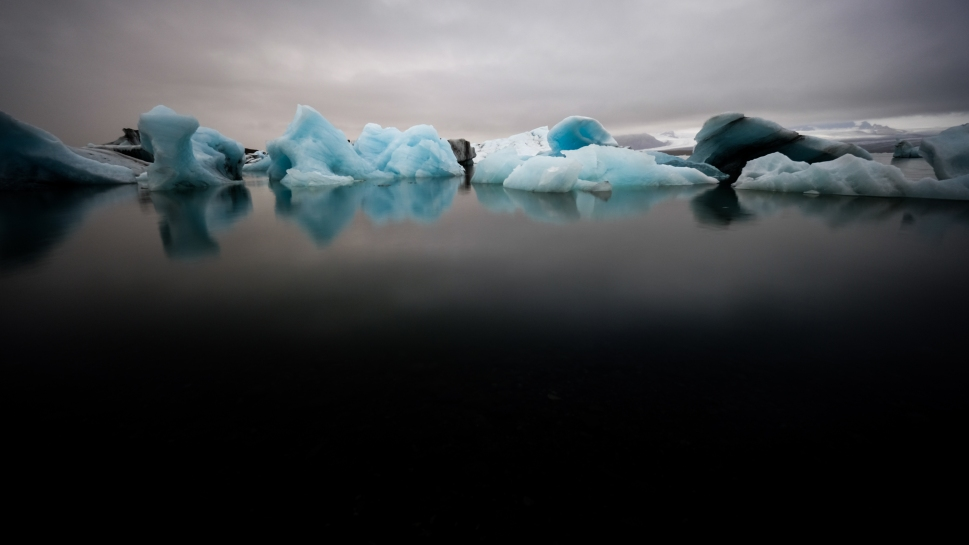 8-iceland-jökulsarlon-glacier-lagoon-abstract