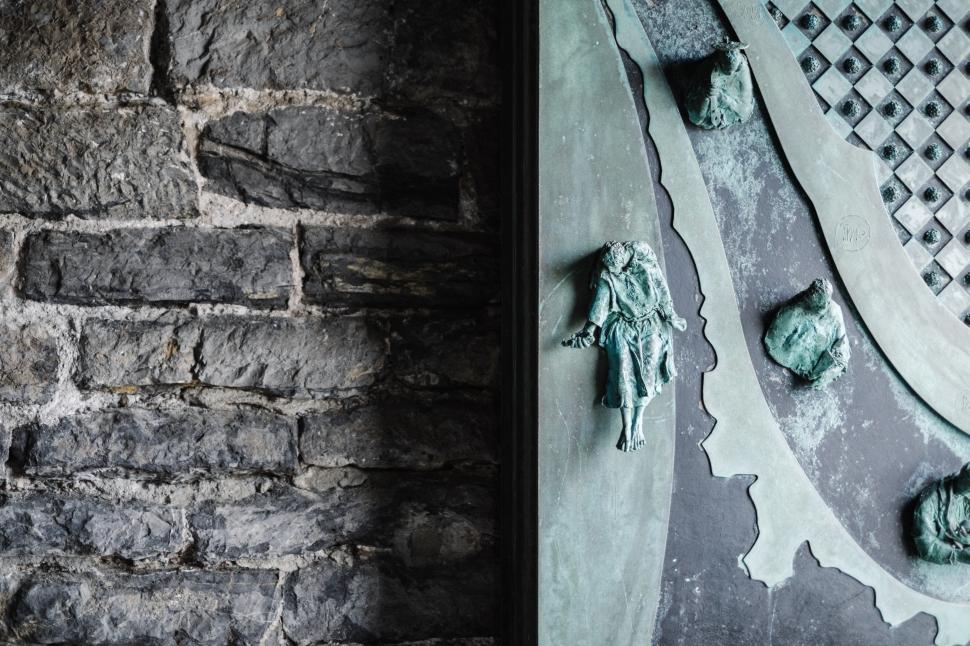 6-portovenere-st-peter-church-door